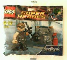 LEGO Hawkeye with equipment (30165)
