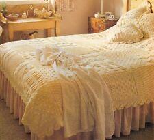 Knitting pattern Heirloom Aran couvre-lit & coussins-Knit en carrés-feuillu edge