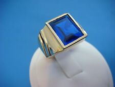 10K YELLOW GOLD MEN'S VINTAGE RING WITH LARGE BLUE STONE, 8.3 GRAMS, SIZE 7.75