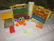 Fisher Price Little People Play Family House 952 AH Mom Dad Boy Girl Dog Bed Lot