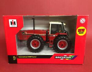 2011 Britains 1/32 International 3588 Tractor No42651 MIB