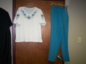 BonWorth 2 Piece Set Embroidered Flowers Short Sleeve Shirt Pants Medium EUC