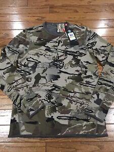 Under Armour Mid Season Reversible Wool Crew Shirt Men Small 1297423-999 Barren
