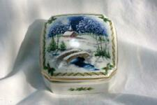 Heritage House 1987 Christmas Melodies Silent Night Musical Trinket Box