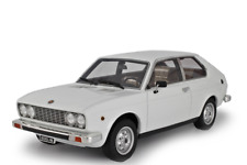 Laudoracing-Models FIAT 128 3P 1100 1975 1:18 LM106E