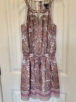 White House Black Market Dress Size XS. Sleeveless. Mid-thigh. Purple/Pink. EUC