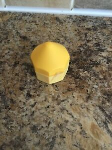 MANGO SORBET Limited edition The Body Shop Lip Juicer  New