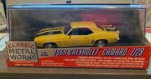 Classic Metal Works CAMARO Z/281969 Daytona Yellow 1:24 Limited edition