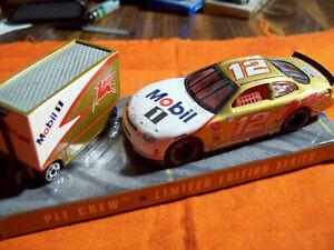 JEREMY MAYFIELD #12 GOLD VERSION CAR & PIT WAR WAGON HOT WHEELS MOBIL 1 HOTWHEEL