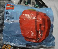 NIB LEGO #3300000 BRICK APPLE; 133 PCS; EXCLUSIVE NYC SET; RETIRED; NEW YORK
