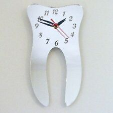Tooth Mirrored Clock