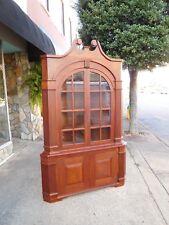 Grand Southern Shope Made Mahogany Corner Cupboard 20th Century