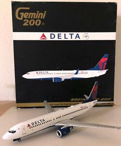 Gemini 200 DELTA Boeing 737-800 N3744F VERY RARE 1ST EDITION