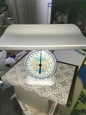 Vintage 1960'S American Family Nursery Baby Scale