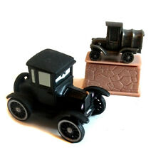 Disney Pixar  Original Movie CARS LIZZIE THE FORD MODEL T & Statue VERY RARE