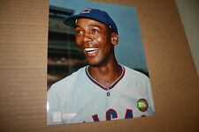 CHICAGO CUBS ERNIE BANKS UNSIGNED 8X10 PHOTO POSE 6