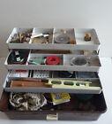 Ancien matériel de pêche ligne hameçon bouchon plomb cuillère boite caisse