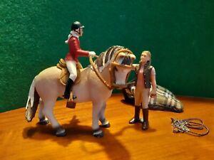 Schleich Pferdeset (Falbe) mit Reiterin und Zubehör