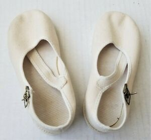 Baby and Toddler shoes, Off-White fabric Flat Girls Shoes for young children