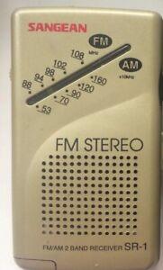 Sangean SR-1 FM/AM 2-Band Receiver = Similar Roberts R 981 Personal Radio