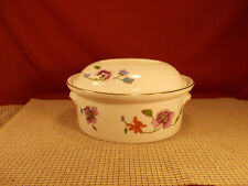 """Royal Worcester Astley (oven to table) 1.5 Qt Oval Covered Casserole 9 1/4"""" x 7"""""""