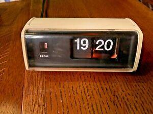 Copal 222 flip clock, made in Japan, 1970s