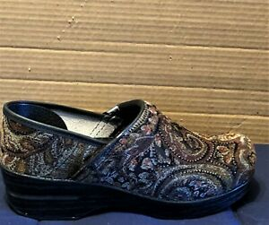 Dansko Professional Tapestry Slip On Clogs 906780202 Women's Size 39 US 8.5-9