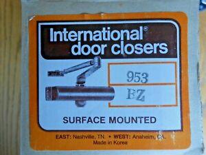 SURFACE MOUNT INTERNATIONAL DOOR CLOSURE S. PARKER 953 MED/HEAVY DUTY