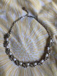 Vintage Signed Necklace Rare Coro 1950's Pebble Pearl And Leaf Design
