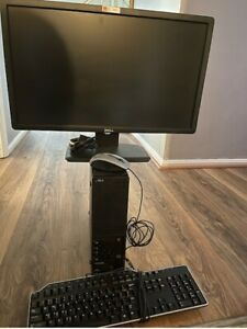 """Lenovo Thinkcentre Edge 71 w/ 19"""" Monitor, Keyboard, Mouse, and Cables."""