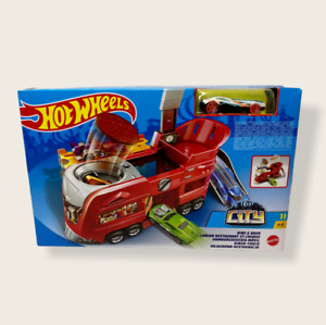 Hot Wheels City Dine & Dash Play Set NEW Mattel Car Included