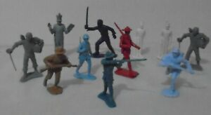 11 Marx Soft Plastic Playset Soldiers similar to Warriors of the World