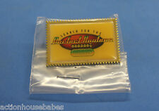 HOOTERS RESTAURANT 2001 SEARCH FOR THE PERFECT HOOTERS WINNER LAPEL PIN
