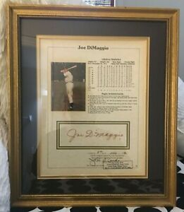 Joe Dimaggio Authentic Autographed 8 x 10 Card - Beautifully Framed