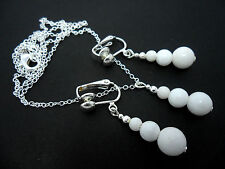 A WHITE JADE BEAD NECKLACE AND CLIP ON EARRINGS SET. NEW.