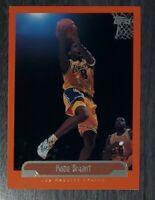 1999-00 Topps #125 Orange Border Insert Kobe Bryant Lakers HOF (#8 Jersey)