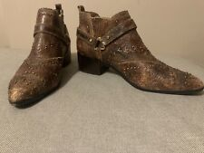 Donald J Pliner Desta Crackle Calf Skin Brown Studded Ankle Boots Booties Size 9