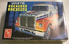 Amt White Road Boss Conventional Plastic Model Truck Kit 1/25 #T-527 Issued 1974