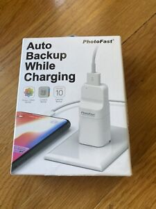 PhotoFast PhotoCube Pro (USB Type-A Port) Backup While Charging for iOS/Android