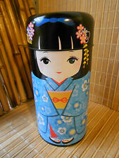 NEW JAPANESE BLUE KOKESHI DOLL CYLINDRICAL TEA TIN CADDY MADE IN JAPAN