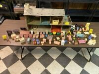 Vintage Superior Tin Litho 50's Dollhouse & 70 Accessories