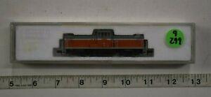 Lot 9-299 * N Scale Kato 701 - Red/Gray DD13 Center Cab Loco, Runs w/box