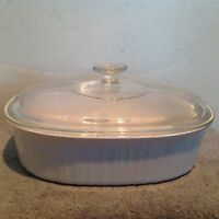Corning Ware French White 2.8 Liter Oval Casserole F-2-B with Pyrex Lid