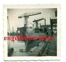 FOTO - UBOOT / U-BOOT / Kriegsschiff / TARNUNG - Hafen Frankreich