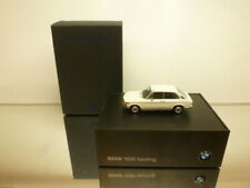 MINICHAMPS BMW 1600 TOURING - OFF WHITE 1:43 - VERY GOOD IN DEALER BOX