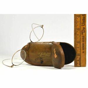 Antique PRIMITIVE WOODEN GLASSES CASE Shaker-style w/ EYEGLASSES (Broken) GOLD?
