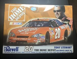 Revell NASCAR  20 The Home Depot Tony Strewart 2006 Monte Carlo Ss