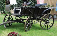 alte Kutsche / Arbeitswagen