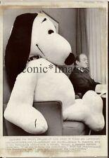 1970 PHOTO -SNOOPY & HUBERT HUMPHREY in WHITE HOUSE