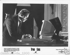 TRUE LIES  ARNOLD SCHWARZENEGGER 8 X 10 STUDIO STILLL PHOTO 161-3